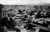 The Early Bahá'í Community
