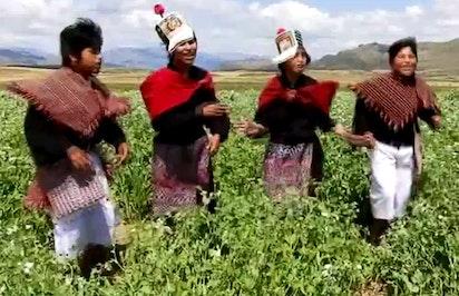 Clip musical par des jeunes a Chuquisaca, Bolivie
