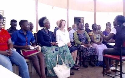 Répétition de la chorale pour les prochaines célébrations du bicentenaire à la Maison d'adoration de Kampala, en Ouganda