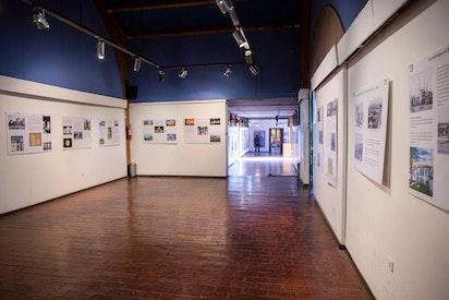 Une exposition à La Reina sur la vie et les enseignements de Bahá'u'lláh