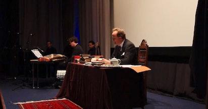 Monologue présentant le récit du professeur E.G. Browne sur sa rencontre avec Bahá'u'lláh